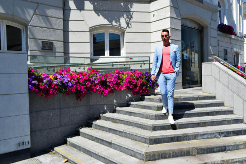 Summer Suit Linen suit and pink tshirt