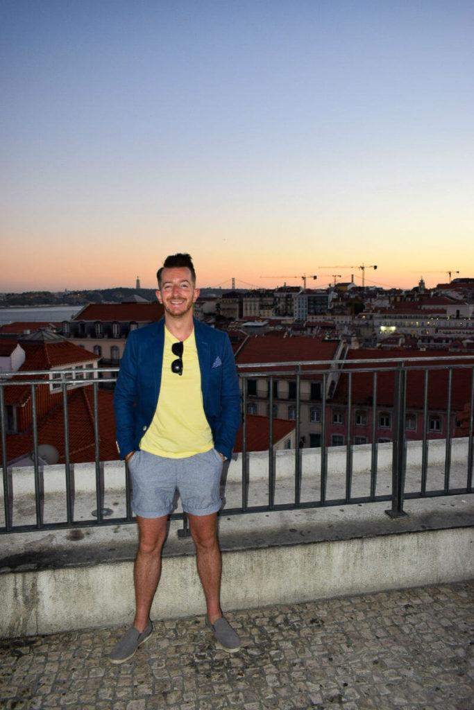 Summer style lisbon yellow tshirt and blue blazer